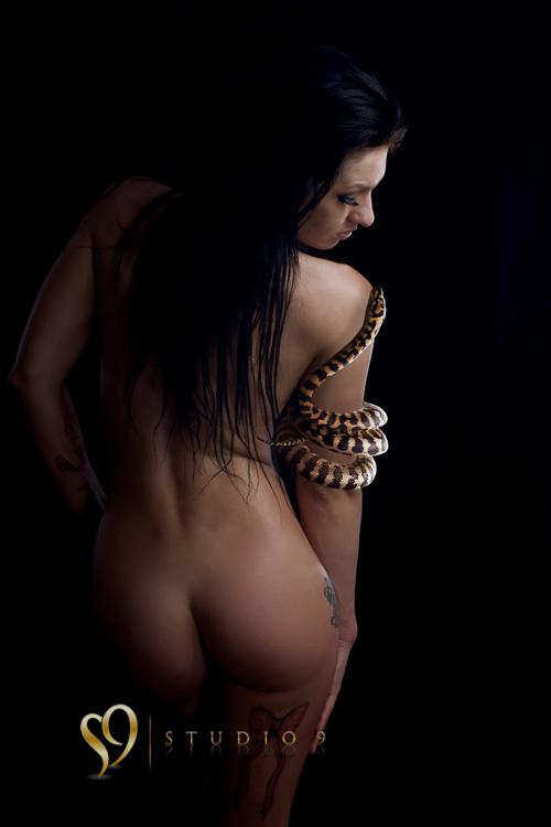 Amazing nude image with snake
